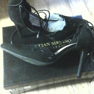 Christian siriano size 7 black shoes